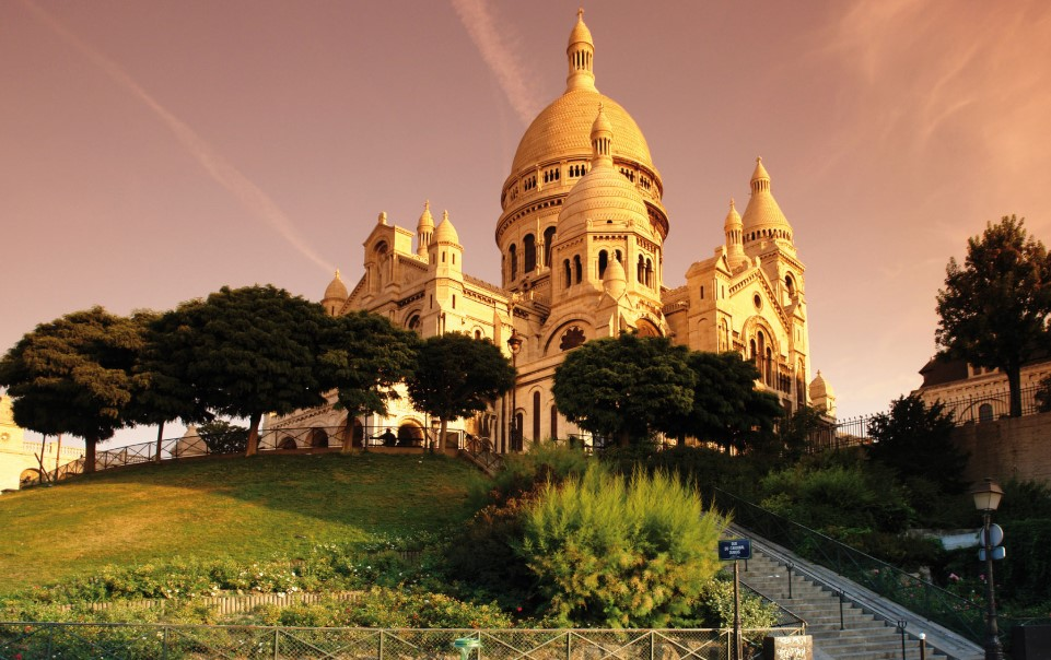 Visit Montmartre While Travelling in France